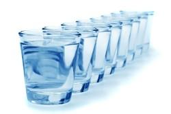 Прием большого количества воды для снижения влияния рентгеновского излучения