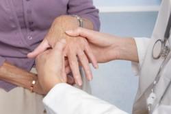 Диагностика ревматоидного артрита пальпацией суставов кистей