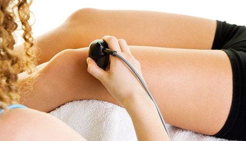 Патологии и лечение когда колено опухло и болит при сгибании