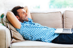 Недостаток физической активности - причина хруста в позвоночнике