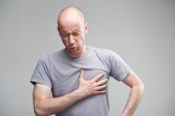 Боли в сердце при патологиях позвоночника