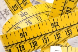 Тщательные измерения для правильного подбора ортеза