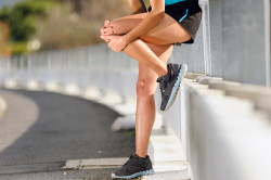 Боли в коленном суставе вследствии травмы