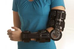Ортез для реабилитации на локтевой сустав после травмы плеча